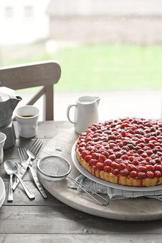Raspberry-Custard Tart: just a picture but should be easy to recreate.