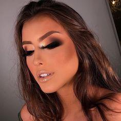 Be a Professional Makeup Artist - Best internet course with top techniques. Glam Makeup Look, Pretty Makeup, Beauty Makeup, Makeup Looks, Dark Skin Makeup, Natural Makeup, Face Makeup, Natural Beauty, Smokey Eyeshadow Tutorial