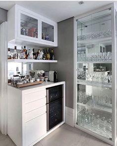 Best home bar styling ideas Mini Bars, Interior Design Living Room, Living Room Decor, Interior Decorating, Design Interior, Bar Sala, Coffee Bar Home, Home Bar Designs, Cuisines Design