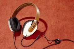 SONORITY RUSH | Sonus Faber's Pryma headphones in the 'Coffee & Cream' color.  $499   pryma.com