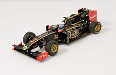 Lotus Renault GP, V. Petrov Showcar 2011 in 1/43 - a recent release from Minichamps