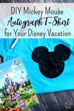 Want an autograph book alternative? Try this DIY Mickey Mouse Autograph T-Shirt for Your Next Disney Vacation. You can make one for each family member. Disney Secrets, Disney Tips, Walt Disney, Disney Ideas, Disney Vacation Planning, Disney Vacations, Vacation Ideas, Mickey Mouse Silhouette, Disney Silhouettes