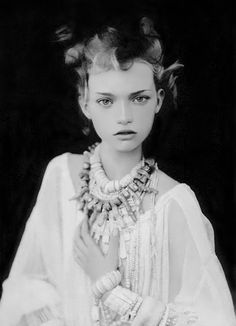 Gemma Ward | Paolo Roversi #photography | Vogue Italy, March 2004