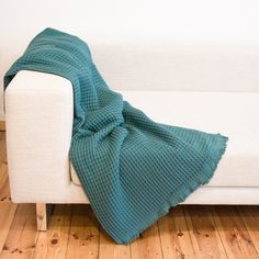 39,90 statt 59,90 € jetzt im Sale!!! Blanket, Home, Armchair, Weaving, Home Accessories, Textiles, Cotton, Nice Asses, Blankets