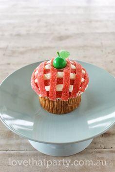 Super Simple Birthday Cake Series: Gingham Apple Cupcake tutorial. www.lovethatparty.com.au
