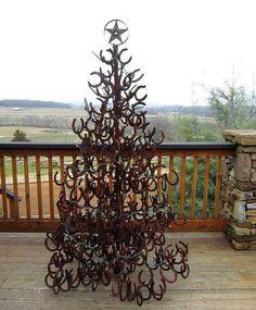 A HORSESHOE CHRISTMAS TREE...