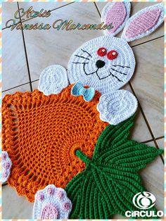 Olá pessoal tudo bem .   Hoje trago para vocês este lindo tapete em de coelhinhos decorativo em Crochê.   Ha idéia é alegrar...