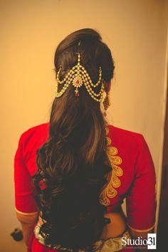 Gorgeous Wedding Hairstyles for Long Hair - Classy Hairstyles - Saree Hairstyles, Classy Hairstyles, Indian Bridal Hairstyles, Wedding Hairstyles For Long Hair, Bride Hairstyles, South Indian Bride Hairstyle, Brunette Hairstyles, Wavy Hairstyles, Hair Wedding
