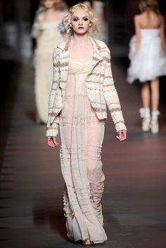 Christian Dior Fall 2011 Ready-to-Wear Fashion Show - Ginta Lapina (Women)
