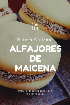 Alfajores de Maicena Peruvian Desserts, Peruvian Cuisine, Peruvian Recipes, Chilean Recipes, Cookie Recipes, Sweet Tooth, Lunch Box, Food And Drink, Bread