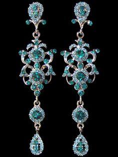 Gorgeous aqua chandelier earrings. http://www.alibaba.com/product/orientaltreasuresco-101274839-10820145/Aqua_4_Long_Chandelier_Earrings.html