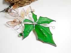 Green Maple Leaf. Christmas Gift. Stained Glass Suncatcher. Autumn Leaf.