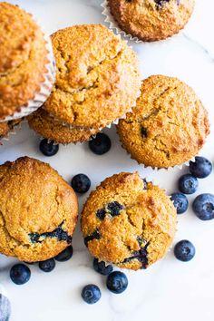 Almond Flour Blueberry Muffins {Gluten Free} - iFOODreal.com Gluten Free Blueberry Muffins, Almond Flour Muffins, Almond Flour Recipes, Blue Berry Muffins, Healthy Muffin Recipes, Healthy Muffins, Blueberries, Snacks, Baking
