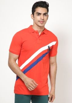 Look your best on casual occasions by wearing this orange coloured polo T-shirt from Steenbok. The blue and white coloured diagonal stripes on the front add to the attraction of this T-shirt. Made from 100% cotton, this T-shirt will be soft against your skin and comfortable to wear. It will look fabulous with black coloured jeans.       Type Polo T-Shirts   Fabric Cotton   Sleeves Half Sleeve   Neck Polo Neck   Fit Regular   Color Orange   Wash Care