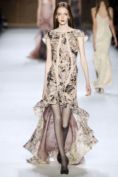 Nina Ricci Spring 2009 Ready-to-Wear Fashion Show - Kate Somers