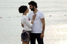 Tuba Büyüküstün and Engin Akyürek in Kara Para Ask Best Tv Couples, Cute Couples, Love 2014, Music Tv, Turkish Actors, Woman Crush, Looking Gorgeous, Couple Goals, Cool Photos
