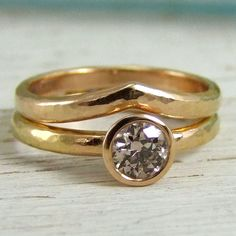 #Engagementring with #weddingring by Alexis Dove http://www.fldesignerguides.co.uk/engagement-ring-designer/alexisdove