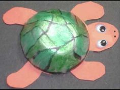 How to make a cute turtle with recycled egg carton