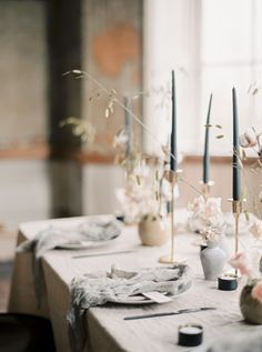 Minimalist bridal editorial and photo session inspired by old world elegance paired with a minimal romantic feel. Complete with vintage blush and blue accents, this feminine bridal photography is bound to inspire any modern bride. #modernbridalinspiration #minimalistbridalstyle #modernminimalistbride #vintageweddingphotography
