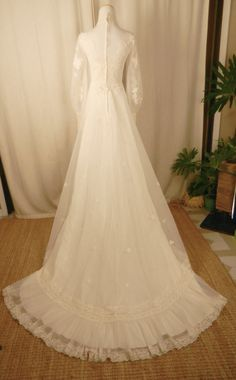 Vintage Lace Wedding Gown by SabsVintage on Etsy, $460.00