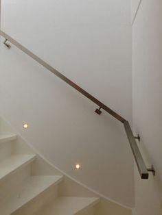 Stair lighting on pinterest stairway lighting led light strips and indirect lighting - Redo houten trap ...