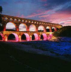 Les Fééries du Pont, Lives au Pont, #Garrigue en Fête, Cirque au Pont, Mise en lumière ...