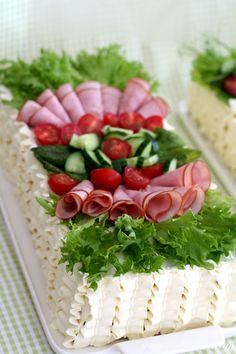 Finger Food Appetizers, Finger Foods, Appetizer Recipes, Lunch Recipes, Fall Recipes, Gourmet Recipes, 10 Tier Wedding Cakes, Sandwich Cake, Food Decoration