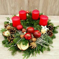 Christmas Wreaths, Christmas Decorations, Table Decorations, Holiday Decor, Advent Wreaths, Small Space Bedroom, Pin Collection, Style Inspiration, Handmade