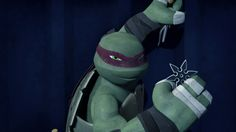 Are you a model now, Raph?<< Am I climbing walls or am I simply looking fierce?
