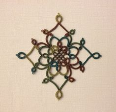 """Woodland Medallion with free pattern from """"Tatting by the Bay: Free Patterns"""" ..... Many more equally beautiful patterns to download at site ! ... *i,a*"""
