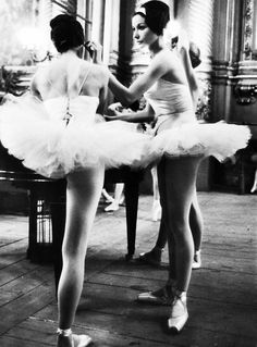 Parisian ballerinas practicing at Paris Opéra ballet school, 1963. Photographed by Alfred Eisenstaedt for LIFE magazine.
