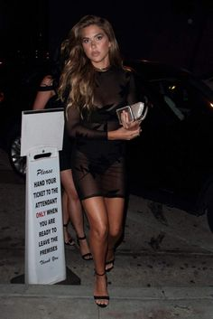 kara-del-toro-at-craig-s-restaurant-in-west-hollywood-house-of-cb-1
