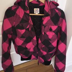 Roxy pink and black check jacket Fur lined hood and thick to stay warm Roxy Jackets & Coats Puffers