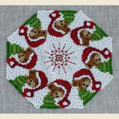 Catalogo prodotti Centrini di perle - Arcobaleno Merceria Crochet Bedspread Pattern, Hama Beads, Seed Beads, Bead Crafts, Bead Art, Doilies, Cross Stitch Patterns, Mandala, Embroidery