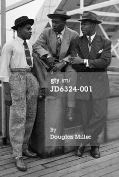 Zoot suits have an interesting story you might not know about. Read about zoot suits at HowStuffWorks. Zoot Suits, Men's Suits, Moda Vintage, Vintage Men, Fashion Vintage, Trendy Fashion, Male Fashion, Vintage Style, Black Men's Fashion