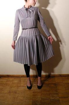 Vintage 1960s Dress / Houndstooth Dress Size 40 by JustGiza