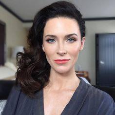 Celebrity Beauty, Celebrity News, Amy Robach, Bridget Regan, The Last Ship, Jane The Virgin, Hot Brunette, Belleza Natural, Woman Face