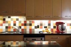 Bright Kitchen Backsplash