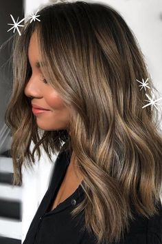 Brown Hair Balayage, Blonde Hair With Highlights, Brown Blonde Hair, Hair Color Balayage, Balayage Highlights, Balayage With Fringe, Balayage Brunette Short, Bronde Bob, Redken Hair Color