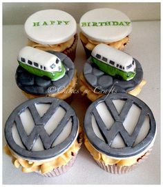 handmade model campervans with handcut VW logo Food Concept, Cute Cupcakes, Small Cake, Cakes For Boys, Food Humor, Love Cake, Muffin, Creative Cakes, Beautiful Cakes
