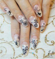 Awesome Xmas Nails Designs