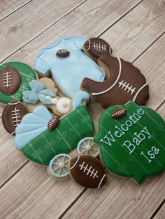 49 New Ideas Baby Shower Centerpieces For Boys Sports Cake Pop 49 New Ideas Baby Shower Centerpieces Baby Shower Sweets, Baby Shower Cookies, Shower Cake, Baby Boy Cookies, Cute Cookies, Football Cookies, Basketball Cookies, Football Football, Football Stuff