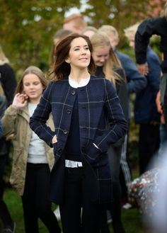 Queens & Princesses - As part of the 200 years of compulsory education in Denmark, Princess Mary visited a school in Naestved.