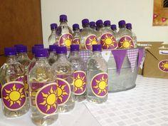 Bottle of water, botella de agua, rapunzel.