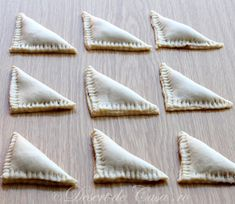 trigoane cu nuca si gem Sugar, Fish, Cookies, Desserts, Crack Crackers, Tailgate Desserts, Deserts, Pisces, Biscuits