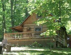 600-sq-ft-bearadise-tiny-cabin-vacation-009
