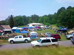 The Dixie Highway Yard Sale. A yearly tradition    (Personal Photo)