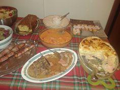 2015 (07.02) Ρολό χοιρινό γεμιστό με τυριά + Σουφλέ με ψωμί του τοστ + Κοτόπουλο κοκκινιστό με κόκκινες πιπεριές