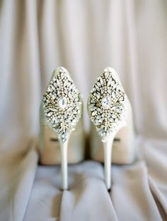 Badgley Mischka white bridal shoes, jeweled wedding shoes - Gainey Ranch Golf Club wedding photos - Rachel Solomon Photography #weddingshoes