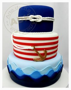 We love themes! This nautical cake is just to cute to pass up!
